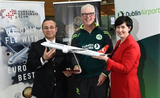 3 May 2017; Hasan Mutlu, General Manager of Turkish Airlines Dublin, with Ireland head coach John Bracewell and Edel Redmond, Senior B2B Marketing Executive, prior to the squad's departure for the One Day Internationals at Bristol and Lord's at Dublin Airport in Dublin. Photo by David Maher/Sportsfile *** NO REPRODUCTION FEE ***