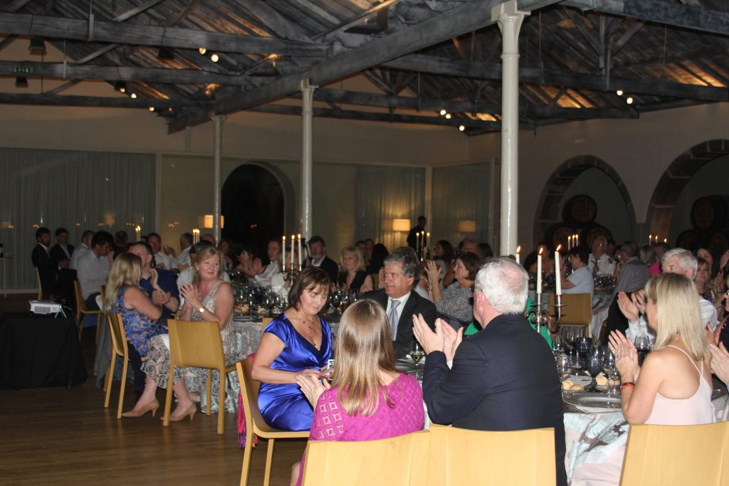 Delegates applaud at the Gala Dinner in Casa Ferreririnha.